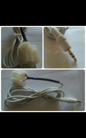 Cable Audio Auxiliar para Mazda. Blanco.