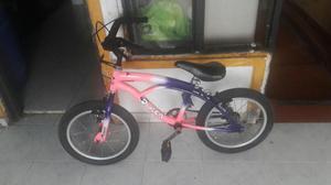 Vendo Bicicleta Pequeña para Niña