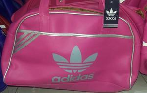 Se venden bolsos deportivos de todas las marcas