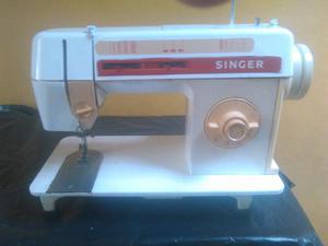 Maquina de coser singer automática varias puntadas