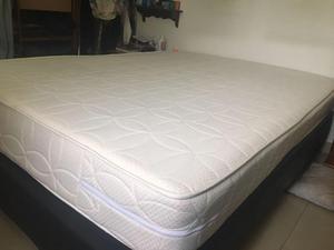 Cama colchon y base casi nueva 1 90 x 1 40 posot class for Cama doble precio