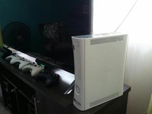 Vendo Xbox 360 en Perfecto Estado.