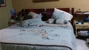 Cama King de Madera Color Caoba con Somier de 2.40 X 2.40