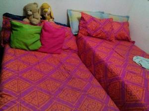 Cama doble como nueva blanca madera posot class for Cama doble con cama auxiliar