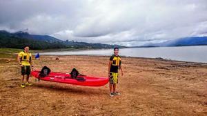 Kayak rotoplast con accesorios posot class for Sillas para kayak