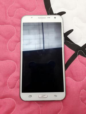 Vendo Samsung J7 en Buen Estado.