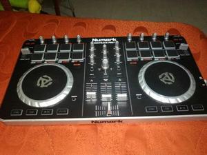 Controladora Dj Numark Mixtrack Pro Ii.
