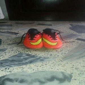 Se venden hermosas zapatillas para cancha sintetica - Cali