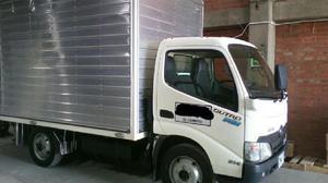 Camion Hino Dutro 2.8 Toneladas Furgón 2016 Casi Nuevo -