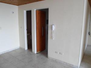 vendo apartamento en el centro de Calarcá. Negociación