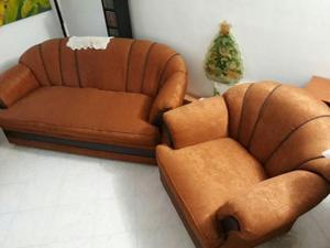 Hermosa sala con sofa cama y poltronas reclinables posot for Salas con sofa cama