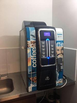 Máquina Dispensadora de Cafe tipo Vending con monedero -