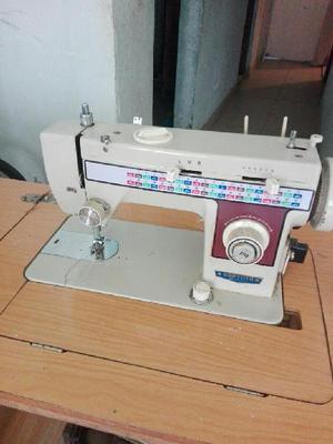 Vendo Maquina de Coser - Bogotá