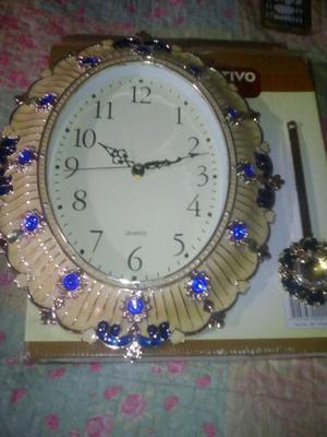 Hermoso reloj de pendulo para pared restrepo posot class for Reloj de pared con pendulo