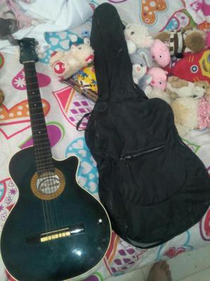Vendo Guitarra Electro Acustica Sencila