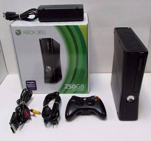 Consola Xbox 360 E Version 5.0 +1 Control, Disco Duro 250 Gb