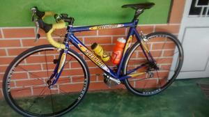 Vendo Bicicleta de Carreras Specialized