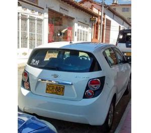 vendo carro chevrolet sonic lt hatchback