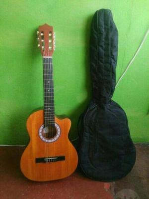 Vendo Guitarra en Muy Buen Estado - Ibagué