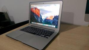 MackBook Air , CORE I5, 4GB DE RAM, 120SSD, 1,5GB DE
