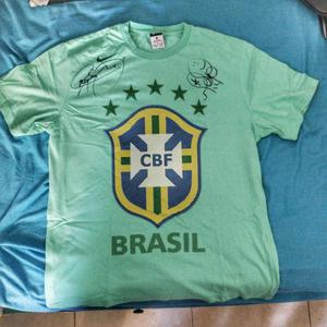 Camiseta Nike de Brasil Autografiada por Neymar y Marcelo