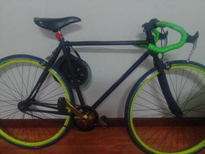 hermosa bicicleta fixie