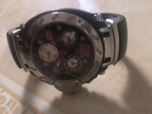 Reloj Tissot excelente.