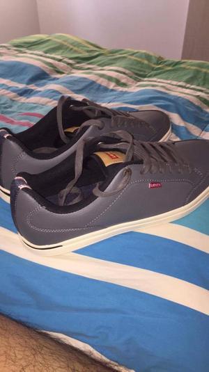 Zapatos Levis de Cuero, Talla 45