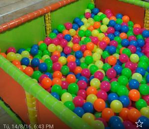 Piscina de pelotas en cali posot class for Pelotas para piscina