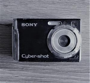 Cámara Sony Cybershot W80 con cargador