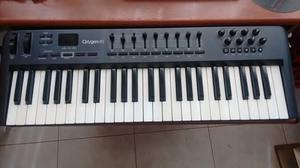 Controlador MIDI M Audio Oxygen 49