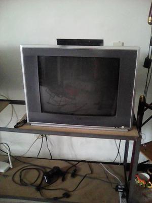 Tv De 21 Pulgadas + Pley 2 + Un Control 10 Juegos Y Memoria