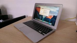 MackBook Air , CORE I5, 2GB DE RAM, 64SSD