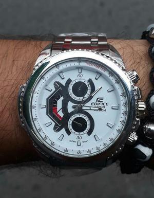 Reloj Casio Edifice Plateado