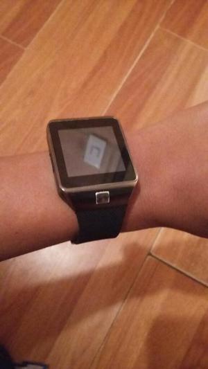Se Vende Reloj Tactil en Exelente Estado