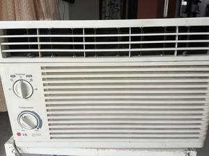 Aire acondicionado LG tipo ventana funcionando