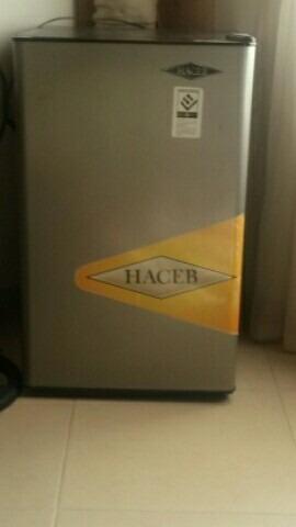 Minibar Haceb 87 Litros.