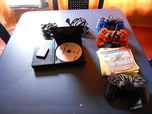 Vendo play 2 con memory card, 3 controles y juegos