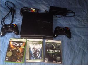 Xbox 360 Slim  Con 2 Controles Y 2 Juegos