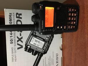 Yaesu VX8DR radio transceiver banda dual sumergible