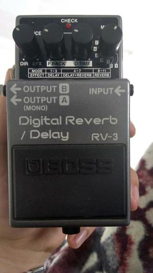 Pedal de Guitarra Boss Digital Reverb Delay RV3