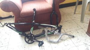 Marco de Bicicleta Gw con Accesorios