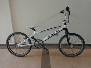 Se vende bicicleta GW pro xxl nada de cambios