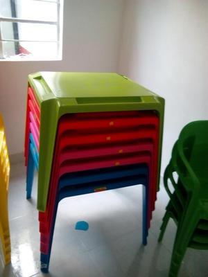 Sillas plasticas marca vanyplas posot class for Mesa y silla infantil
