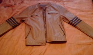 vendo o cambio chaqueta chevignon talla M color cafe
