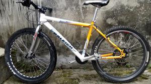 Bicicleta Toda en Aluminio Grupo. Shiman