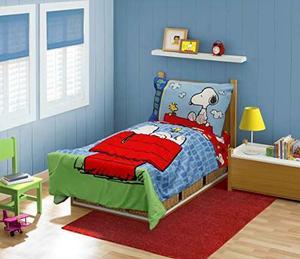 Cacahuetes Snoopy En El Juego De Cama Para Niños Pequeños