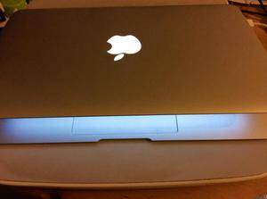 macbook air core i5 Disco 128 modelo  pulgadas