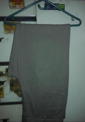 Pantalon Dril Uniforme del SENA.