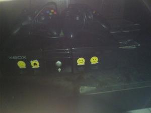 Xbox Clasico Color Negro Con Dos Controles Y 17juegos
